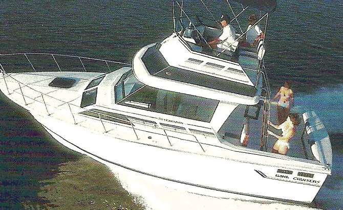 1997 BAHA 313 Weekender with Flybridge, 32 foot, twin engine gas Volvo 7.4GL ...