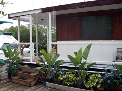 Super Fl Keys Houseboat Rentals Boatel Key Largo Florida Houseboats Download Free Architecture Designs Parabritishbridgeorg